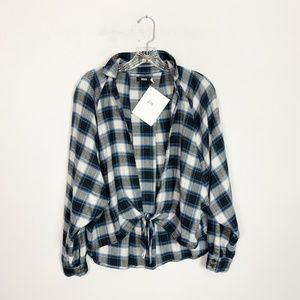 Urban Outfitters | plaid tie front cropped flannel
